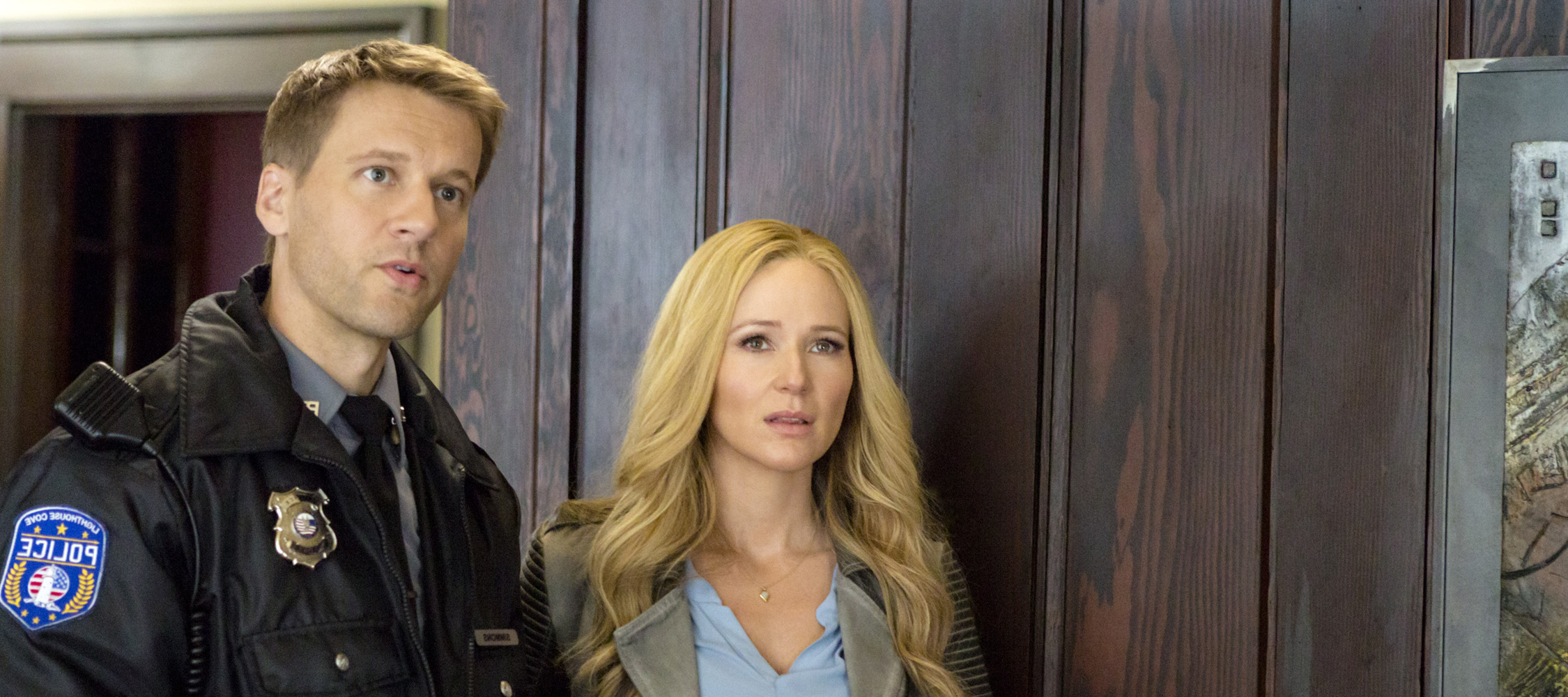 COTES D'ÉCOUTE DE FRAMED FOR MURDER: A FIXER UPPER MYSTERY