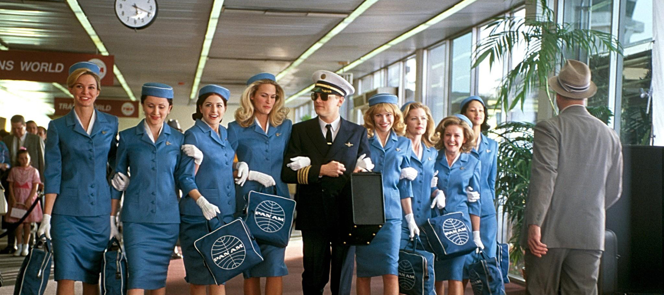 Resultado de imagem para catch me if you can movie